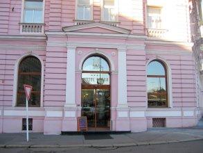 Opera Hotel