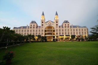 Bella Vista Waterfront Resort
