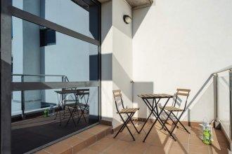 Studio W/balcony in Sanchinarro, 7mins to Train