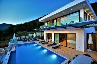 Villa Camli by Akdenizvillam