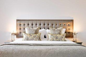 Luxury George Street Apartments: Castle Suite