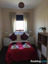 Edinburgh Lochend Apartment