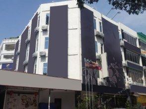 OYO 181 Indigo Hotel Manjalara