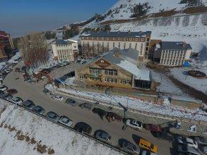 Snowdora Hotel