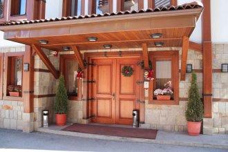 Shiroka Laka Hotel
