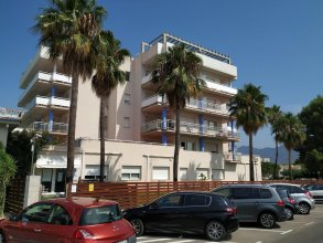 Apartment With 2 Bedrooms in Roses, With Wonderful City View, Pool Access, Furnished Terrace - 1 km From the Beach