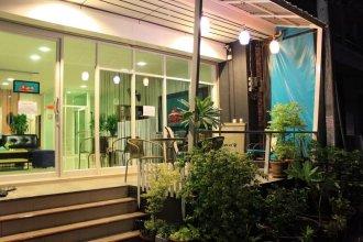 Ananas Phuket Central Hostel