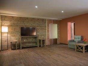 Apricot Aghveran Resort
