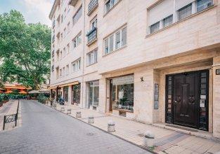 Oasis Apartments at Paulay Ede Street II