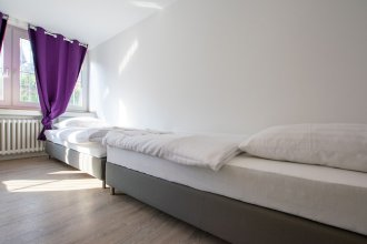 Tolstov-Hotels Convenient 4 Room Apartment