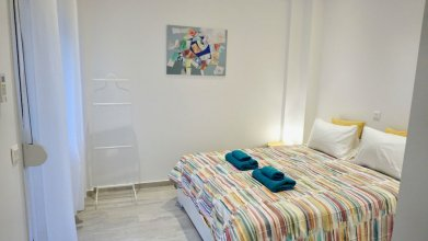 Spacious Modern Apt in Athens near Metro