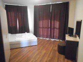 Hotel Seasons 3