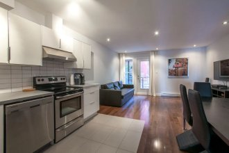 3 bedrooms 2 bathrooms Mont-Royal Apartment by Lux Montreal Vacations Rentals