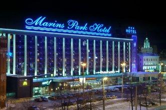 Отель Маринс Парк