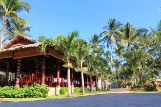 Отель Little Paris Resort & Spa Mui Ne