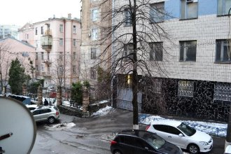 Kiev Accommodation Apartments on Malopidvalna Str.