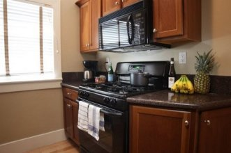 Hollywood Vacation Apartments by Stay City Rentals