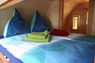 Mini Hotel Übernachten Im Gurkenfass