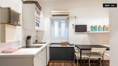 Two Bedroom Apartment in the Heart of the Born 22