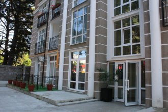 Apartment on Tulpanov St. 1-3