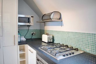 Modern & Charming 2 bed Old Town Apartment - 2 bed