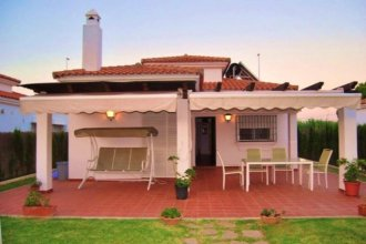 House With 3 Bedrooms in Barrio Nuevo, With Shared Pool and Enclosed Garden - 7 km From the Beach
