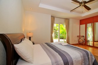 Pattaya Sunset Villa 4 Bedroom Sleeps 8