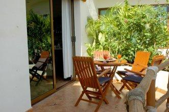 Porto Playa Condo Hotel & Beachclub