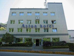 Aston Hotel
