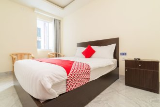 OYO 176 374 Hotel