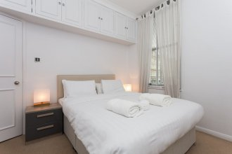 1 Bedroom Flat in Chelsea Sleeps 4