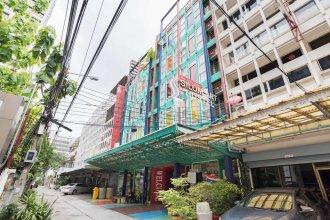 Saladaeng Gallery Hostel By Favstay