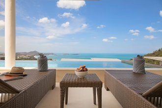 4BR-Luxurious Private Pool Villa Oasis