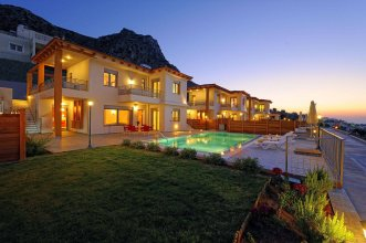 Danae's Luxury Villas