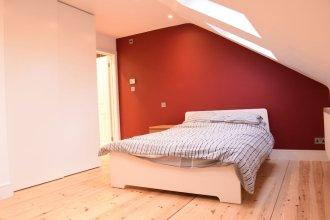Retro 2 Bedroom Flat in Clapham