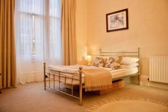 2 Bedroom Stockbridge Flat