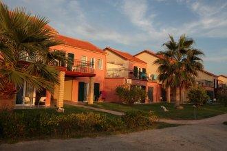 Almуros Beach Resort and Spa