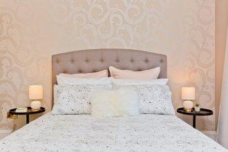 2 Bedroom Penthouse Apartment Sleeps 4
