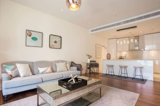 Captivating Apt in City Walk Pool View!
