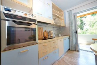 New Superb & Luminous 2 Bedroom Apartment