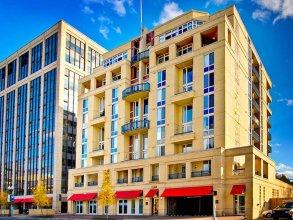 Global Luxury Suites in Rosslyn