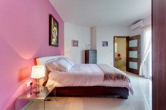 Luxury 2 Bedroom Penthouse in St Julians