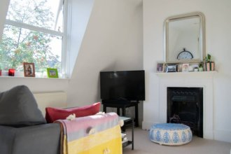 Charming 2 Bedroom Flat in Finsbury Park