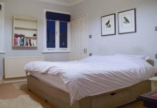 Charming 2 Bedroom Apartment Near Battersea