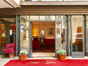 Intra Hotel