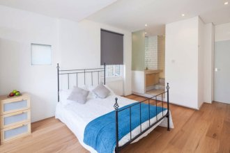 Stunning 2Bed Home with 2 Balconies in Camberwell