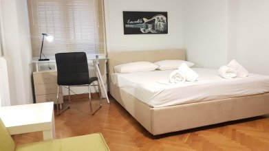 Erra - Violet - Neoclassical - Athens Center,220m²,7 BD,3 BATH