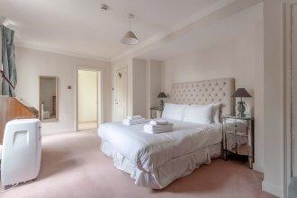 4 Bedroom Townhouse in Westminster
