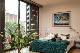 Sagrada Familia Area Pool Apartments