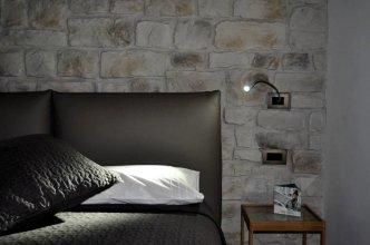 Olivia Rooms Teocrito